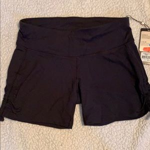 Calia by Carrie Underwood shorts